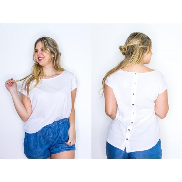 Remera manga corta jersey calado blanco con botones en la espalda